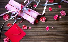Картинка цветы, бумага, праздник, подарок, лепестки, розовые, ленточки, коробочка