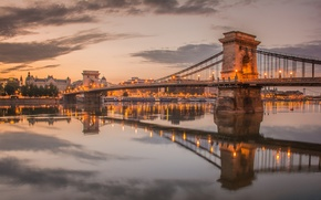 Картинка небо, облака, огни, река, вечер, опора, Венгрия, Будапешт, Дунай, цепной мост