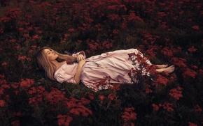 Обои цветы, девушка, To lie in the soft brown earth, сон, Rosie Hardy