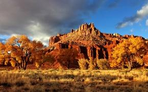 Картинка осень, небо, облака, деревья, горы, скалы