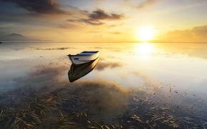 Обои озеро, закат, лодка, пейзаж