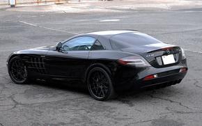 Картинка асфальт, трещины, отражение, чёрный, black, Mercedes Benz, вид сзади, SLR McLaren, Мерседес Бенц, СЛР МакЛарен