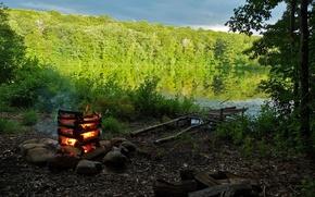 Обои природа, озеро, берег, костер, лес