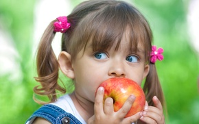 Картинка глаза, взгляд, красное, apple, яблоко, голубые, девочка, red, girlie