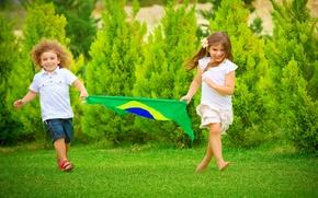 Картинка лето, футбол, мальчик, флаг, бег, девочка