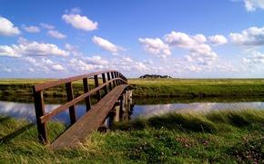 Картинка лето, небо, облака, цветы, ручей, день, домики, травы, мостик, водоем