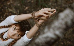 Картинка верёвка, руки, девушка