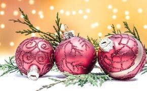 Картинка шарики, праздник, игрушки, новый год, ветка, боке, можжевельник