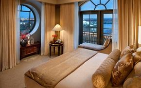 Картинка дизайн, стиль, комната, вид, окна, кровать, интерьер, вечер, подушки, коричневый, кушетка, спальня, столики, валики