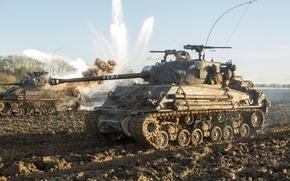 Картинка поле, бой, грязь, танк, M4 Sherman, Fury, «Ярость»