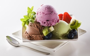 Обои мороженое, шарики, киви, десерт, сладкое, черника, ягоды, клубника