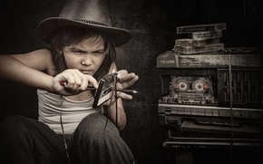 Картинка девочка, кассета, магнитофон, перемотка
