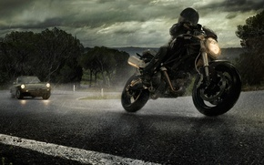 Картинка дорога, дождь, мотоцикл, автомобиль, alfa romeo, ducati