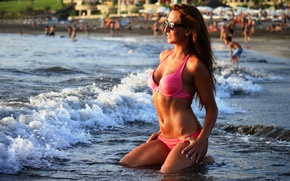 Картинка girl, sexy, wet, smile, water, model, beauty, lips, body, bikini, shape, Ludmila Lion