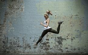 Обои jump, sportswear, pose