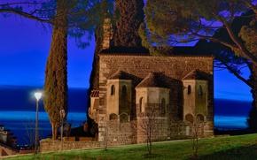 Картинка деревья, ночь, огни, Италия, базилика, Гориция