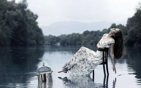Картинка девушка, озеро, стул