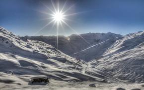 Картинка зима, лучи, свет, снег, пейзаж, горы, дом, солце