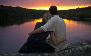Картинка море, листья, вода, девушка, деревья, любовь, закат, отражение, река, камни, фон, widescreen, обои, романтика, настроения, ...