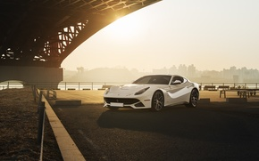 Картинка City, Ferrari, Front, Bridge, Sun, White, Supercar, Berlinetta, F12