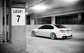 Картинка авто, фото, обои, bmw, тачки, City, парковка, white, cars, auto, остановка, вид с зади, wallpapers …