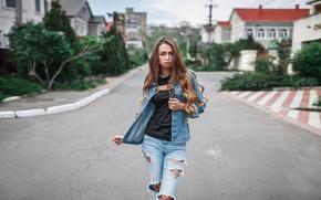 Картинка взгляд, девушка, city, улица, модель, одежда, портрет, дома, джинсы, пиджак, мода, beauty, украинка, рваные, Любовь …