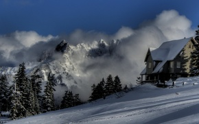 Обои зима, горы снег, туман, дом, природа