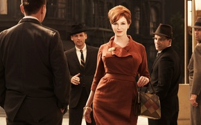 Картинка улица, женщина, сериал, мужчины, Безумцы, Christina Hendricks, Mad Men, Joan Harris