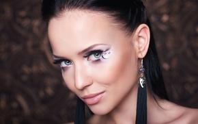 Картинка модель, боке, брюнетка, макияж, прическа, красотка, крупным планом, лицо, украшения, Ангелина Петрова, Angelina Petrova, взгляд, ...