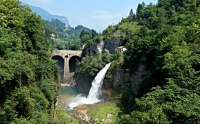 Картинка деревья, горы, мост, скалы, водопад, Италия