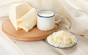 Картинка Кружка, доска, блюдце, ткань, творог, молоко, сыр