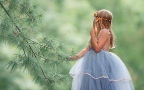 Картинка фон, ветка, платье, девочка