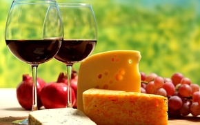 Обои стол, гранат, вино, красное, сыр, ломти, бокалы, виноград