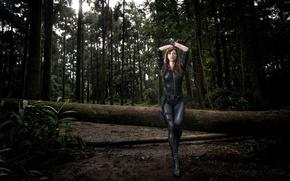 Картинка лес, девушка, пистолет