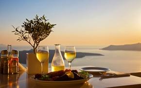 Обои стол, море, еда, сервировка, бокалы, тарелки, пейзаж, закат