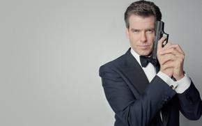 Картинка взгляд, пистолет, агент 007, james bond, Pierce Brosnan, Пирс Броснан, джеймс бонд