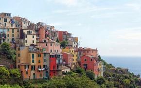 Картинка море, небо, побережье, дома, склон, горизонт, Италия, Corniglia