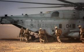Картинка пустыня, солдаты, вертолёт, военный, Sikorsky, транспортный, тяжёлый, морская пехота, CH-53, Sea Stallion