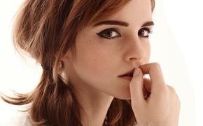 Картинка глаза, взгляд, милая, модель, волосы, рука, актриса, красавица, косички, шатенка, Эмма Уотсон, Emma Watson, журнал, …