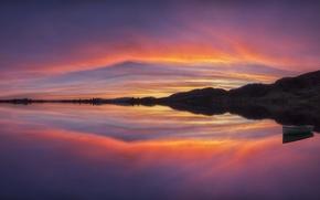Картинка небо, отражения, пейзаж, закат, холмы, лодка, вечер, водоем, обои от lolita777