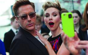 Обои знаменитости, фотосъемка, кадр, Scarlett Johansson, Скарлетт Йоханссон, актеры, Marvel, London, Robert Downey Jr., Роберт Дауни ...