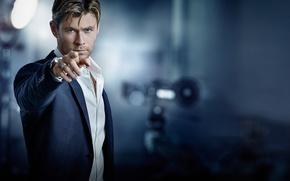 Картинка взгляд, реклама, Gavin Bond, Chris Hemsworth, рубашка, бренд, размытие, жест, актер, пиджак, боке, TAG Heuer, ...
