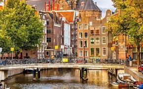Картинка Amsterdam, велосипеды, архитектура, город, лодки, канал, Nederland, здания, осень, река, мост, дома, деревья, люди, Амстердам, ...