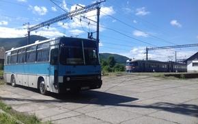 Картинка blue, train, ukraine, traffic, bus, transport, rail, old transportations, perechin, ikarus