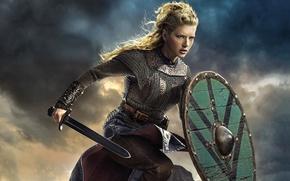 Картинка сериал, Lagertha, небо, Vikings, Katheryn Winnick, меч, историческая, щит, Викинги, драма