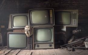 Картинка маска, телевизоры, чердак