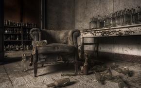 Обои комната, кресло, бутылки