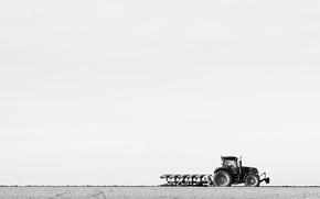 Картинка поле, трактор, плуг