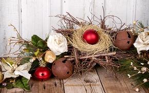 Картинка шарики, стол, игрушки, доски, розы, ветка, Новый Год, Рождество, гнездо, декорации, сосна, елочные