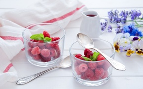 Обои цветы, ягоды, малина, стаканы, мята, виола, ложки